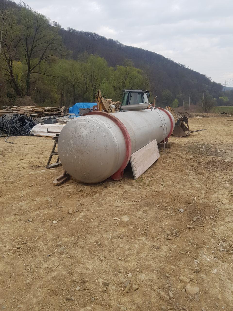 Емкость цистерна нержавеющая 12 м.куб.  на машину или прицеп новая