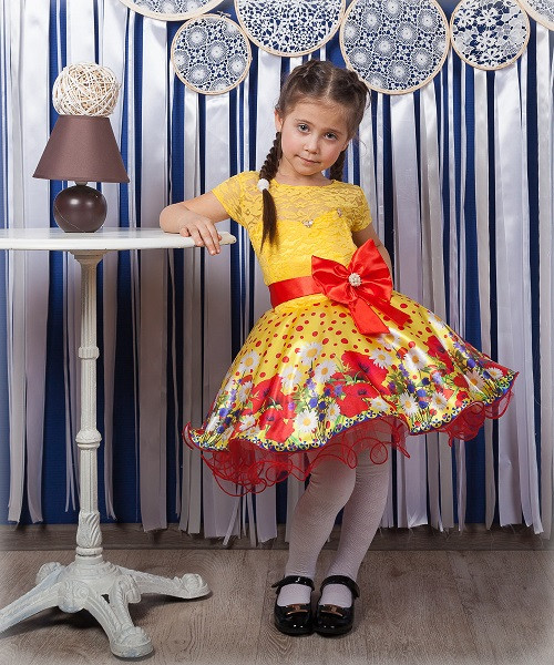 Детское нарядное платье Маки желтый (30-34)