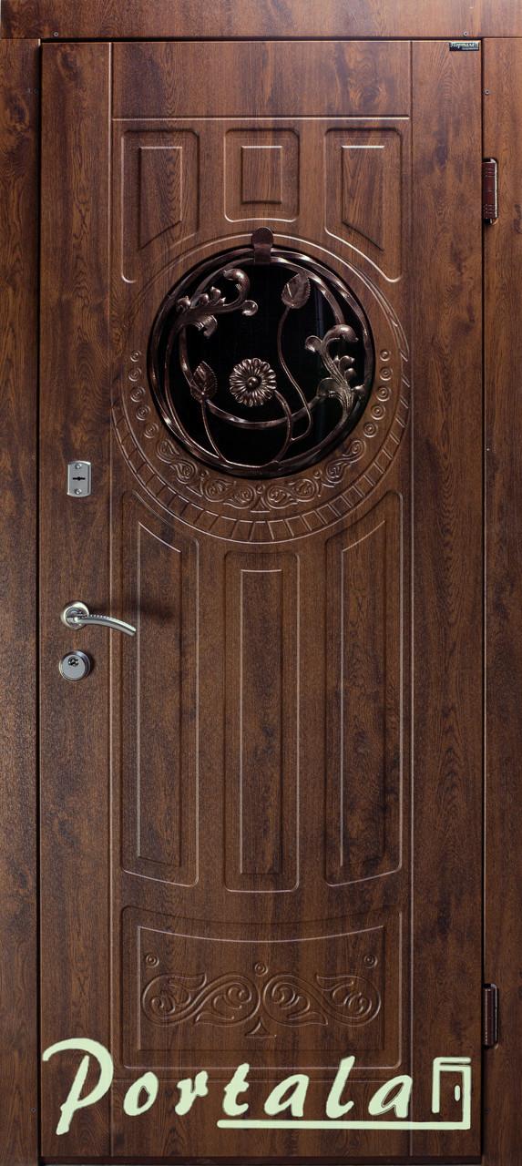 Наружные входные двери Форт 5 стекло, ковка, винорит на улицу