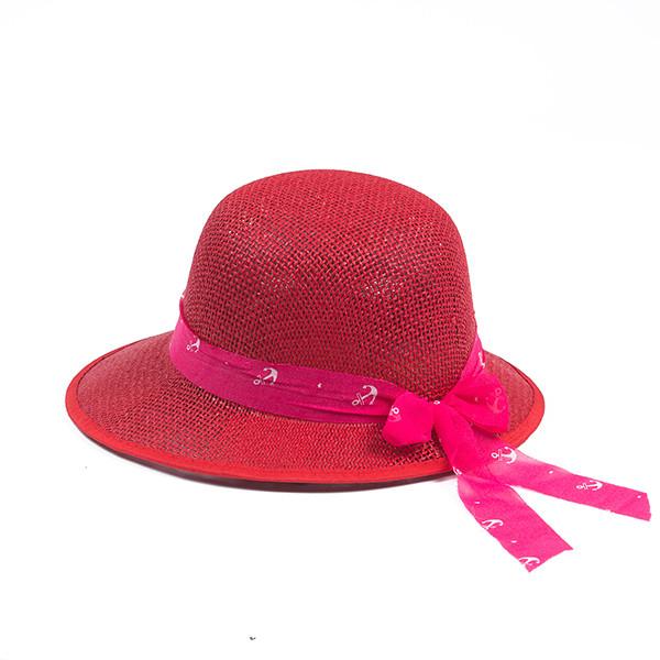 Летняя формованная красная шляпка из плетеной соломки