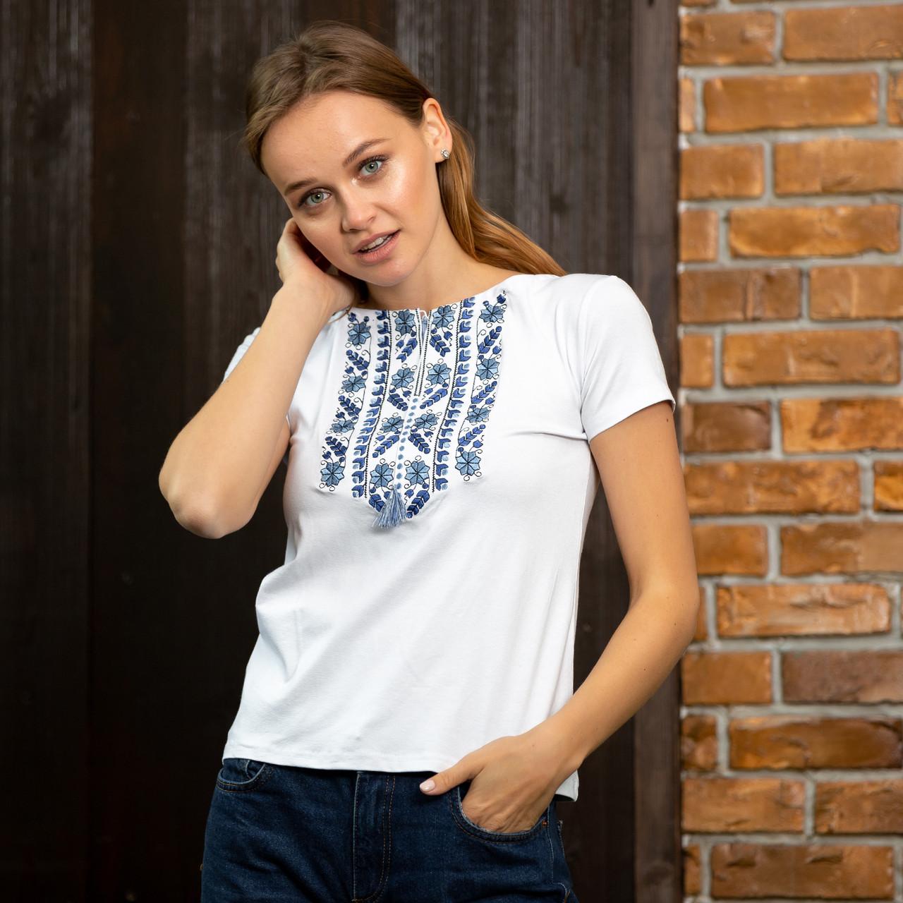 Женская футболка вышиванка Цветы синие