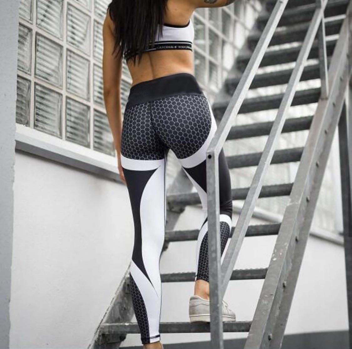 Женские стильные лосины/леггинсы для занятий спортом/фитнесом «Fitness lovers» sota (черный)