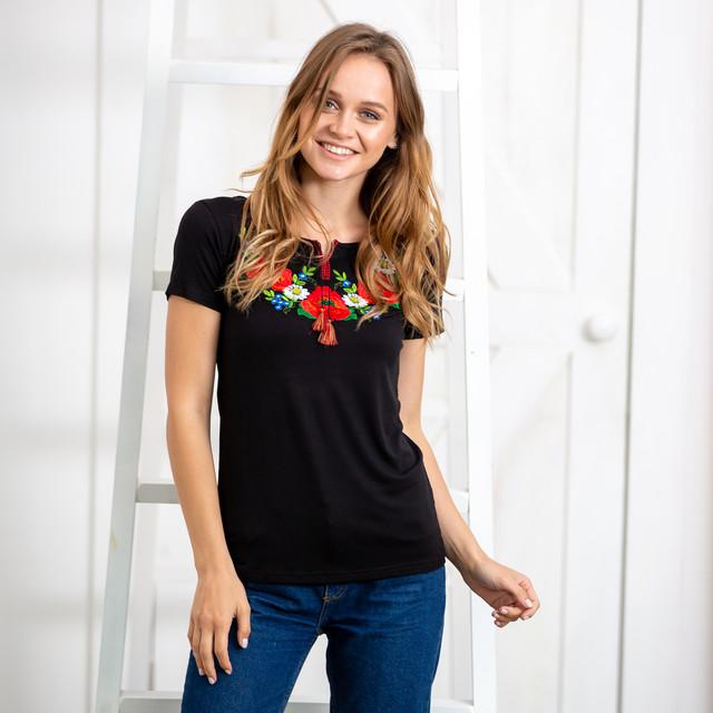 Женские черные футболки с вышивкой Маковое поле