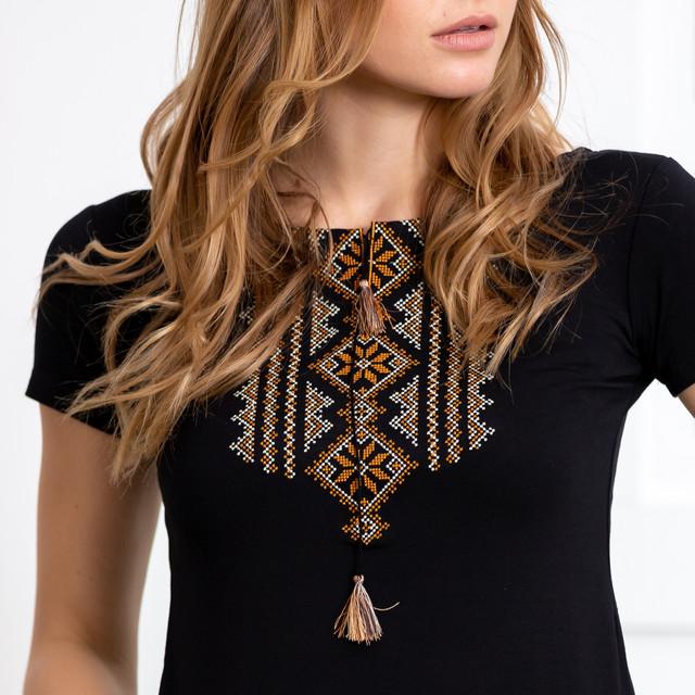 Женская футболка с вышивкой Геометрия золотая