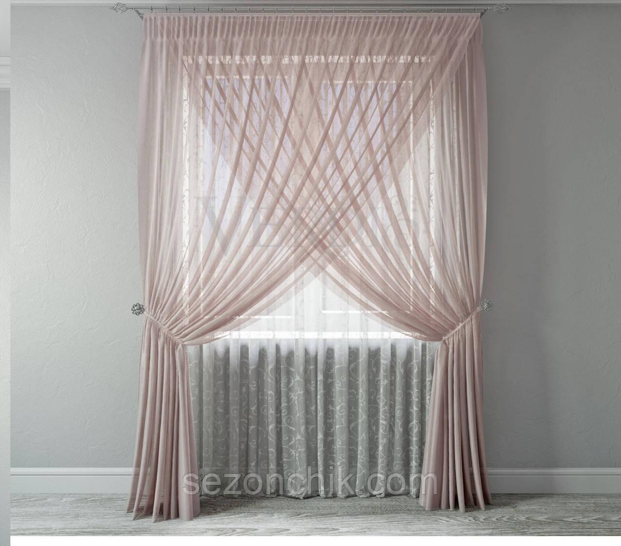 Красивый комплект готовых штор в зал
