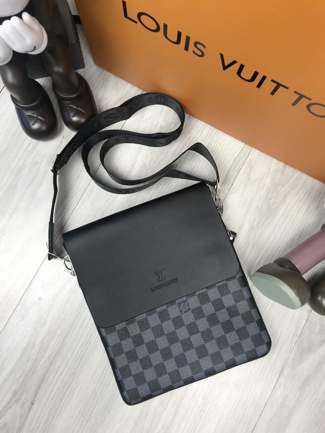 c5af5de2a679 Мужская сумка Луи Витон – это всегда отменный стиль, всегда абсолютное  удобство и комфорт при использовании, и всегда гарантированное качество.