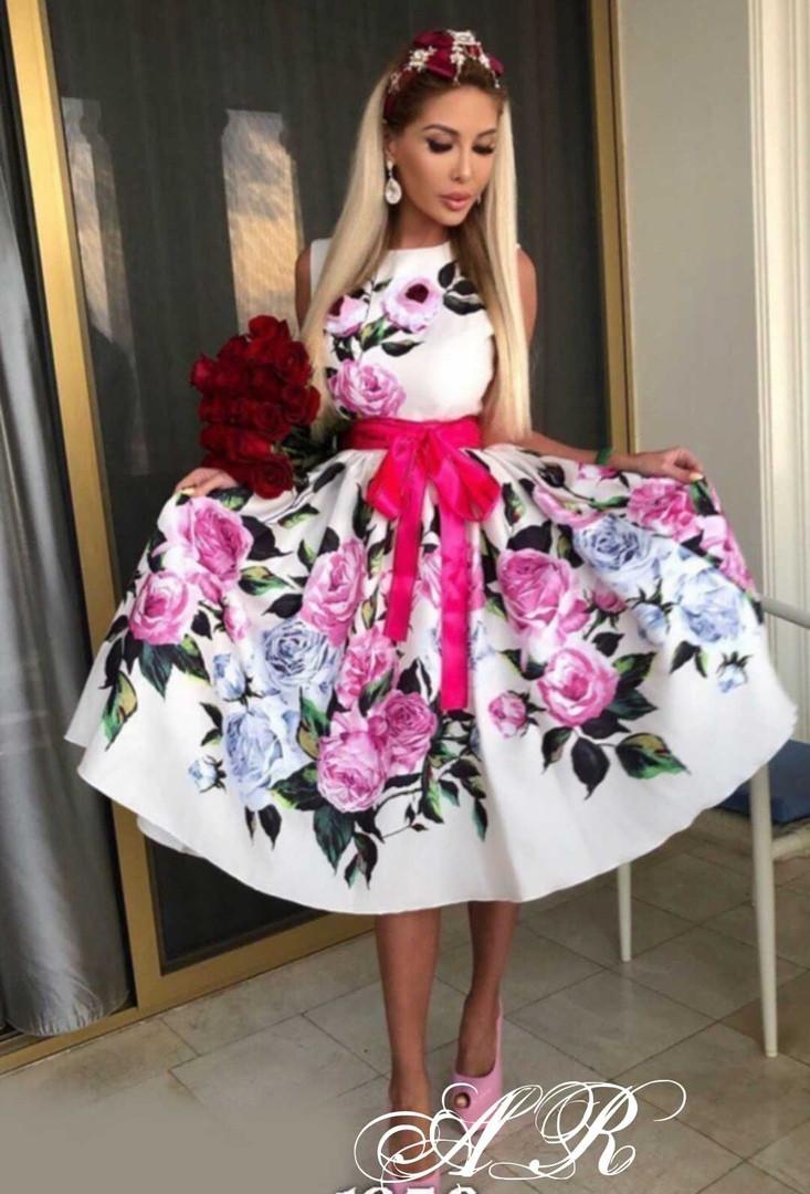 Платье яркий цветочный принт, ткань: атлас  Размер: С,М. Цвет: белый (6304)