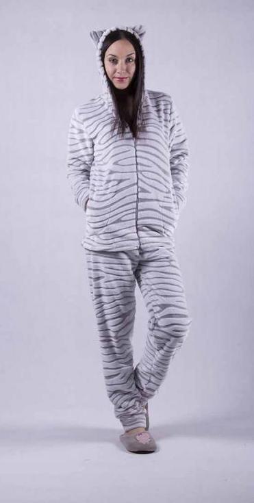 Красивая женская махровая пижама
