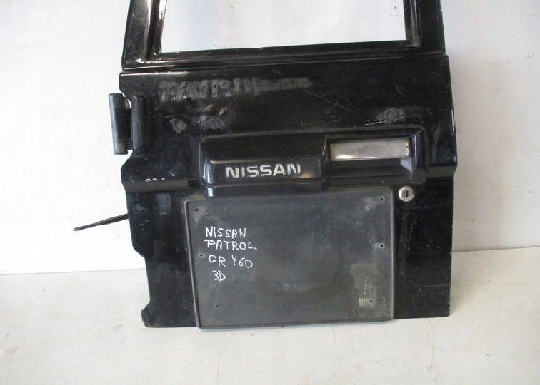 Двери задние NISSAN PATROL GR Y60 3D