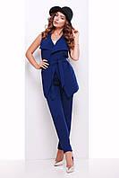 Стильная женская длинная деловая жилетка на запах с поясом и карманами синяя