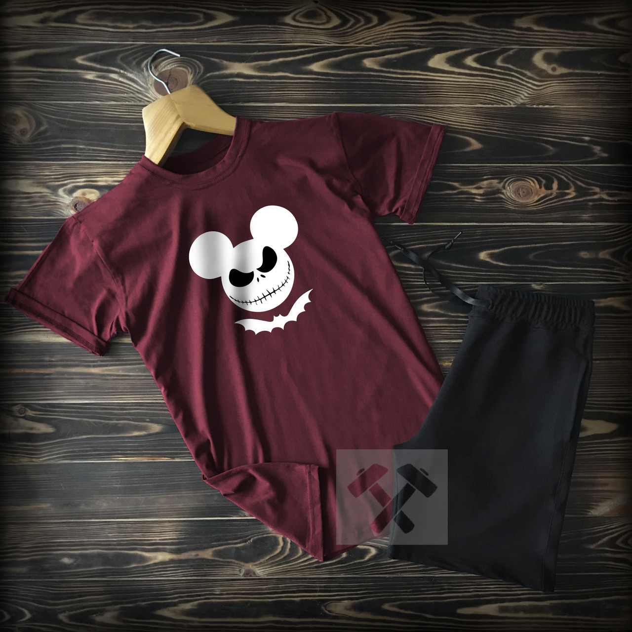 Летний спортивный костюм Микки Маус черно-бордового цвета
