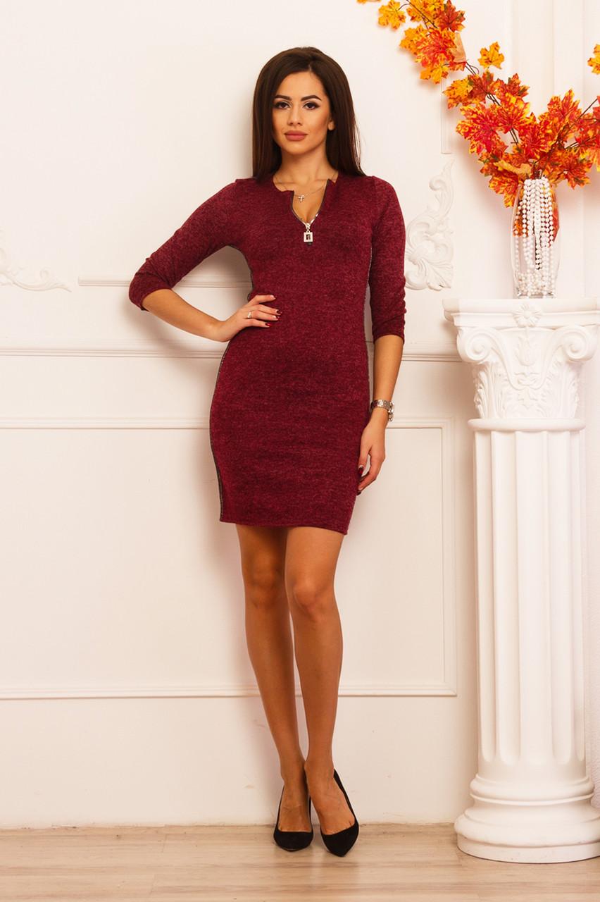 Женское платье бордового цвета из ангоры