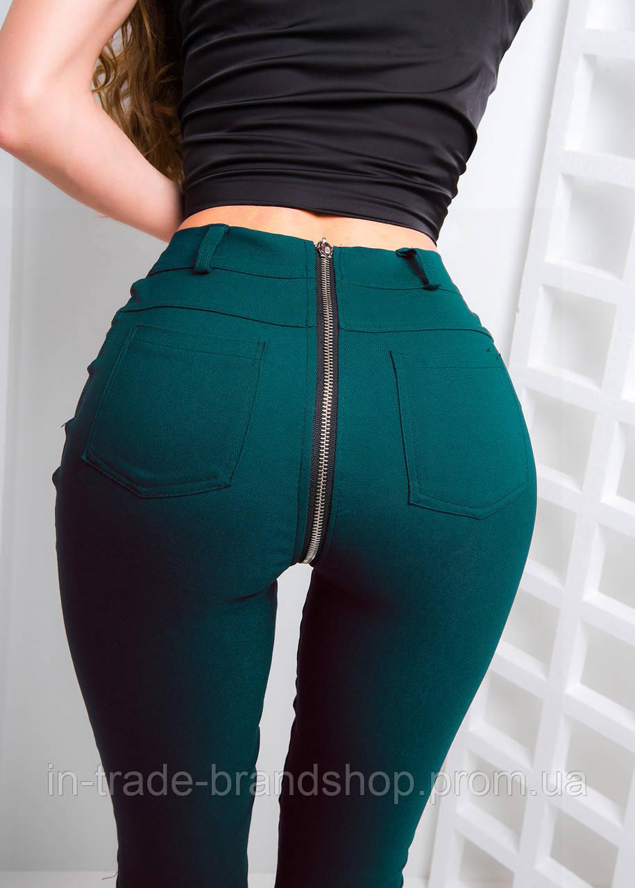Трендовые джинсы с классической талией и молнией сзади