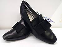 Стильные женские туфли-лоферы.Натуральная кожа Демисезон.Черный цвет. Каблучок 6 см