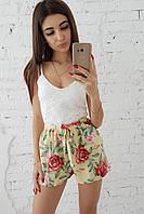 Ромпер с гипюровым верхом и цветочным шортами