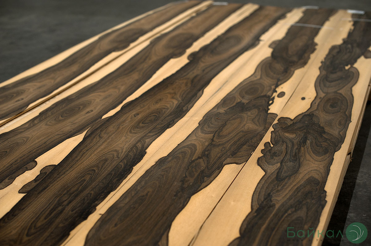 Шпон Зирикоте (натуральный) Logs - 0,6 мм 2,10 м+/10 см+
