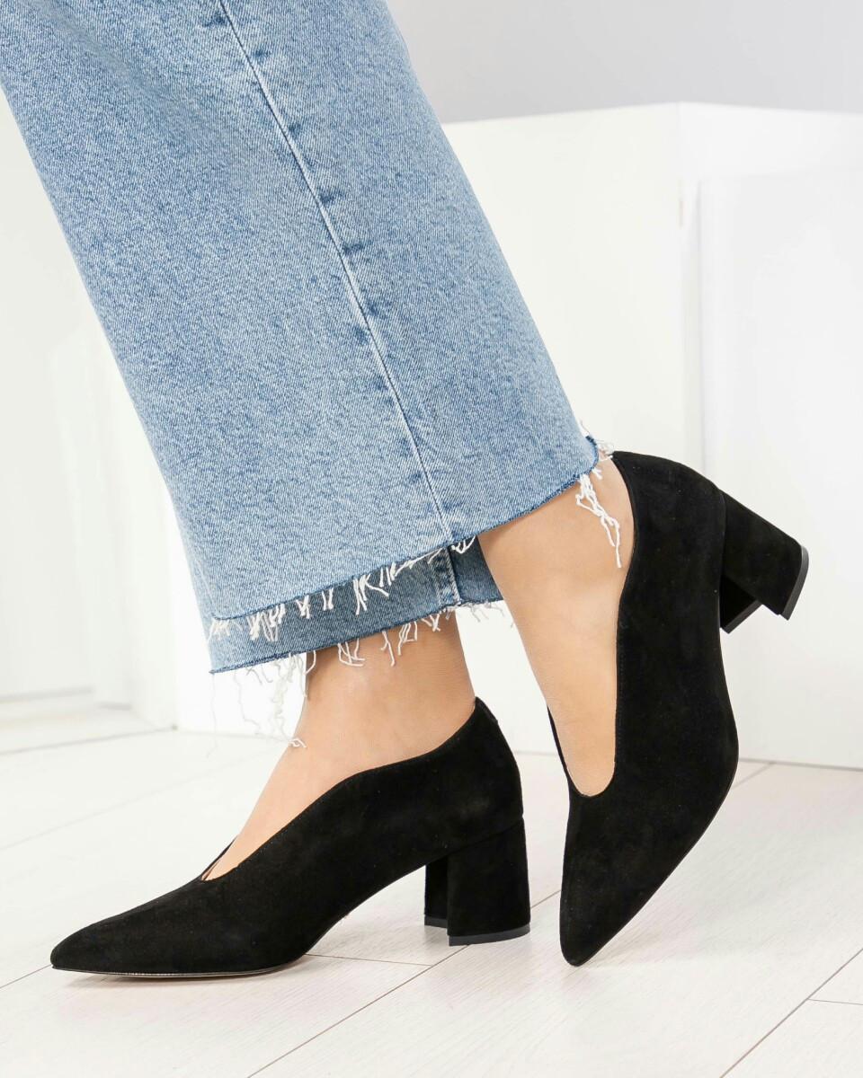 Оригинальные черные замшевые женские туфли на каблуке. Бренд Modus Vivendi Размер 36 39