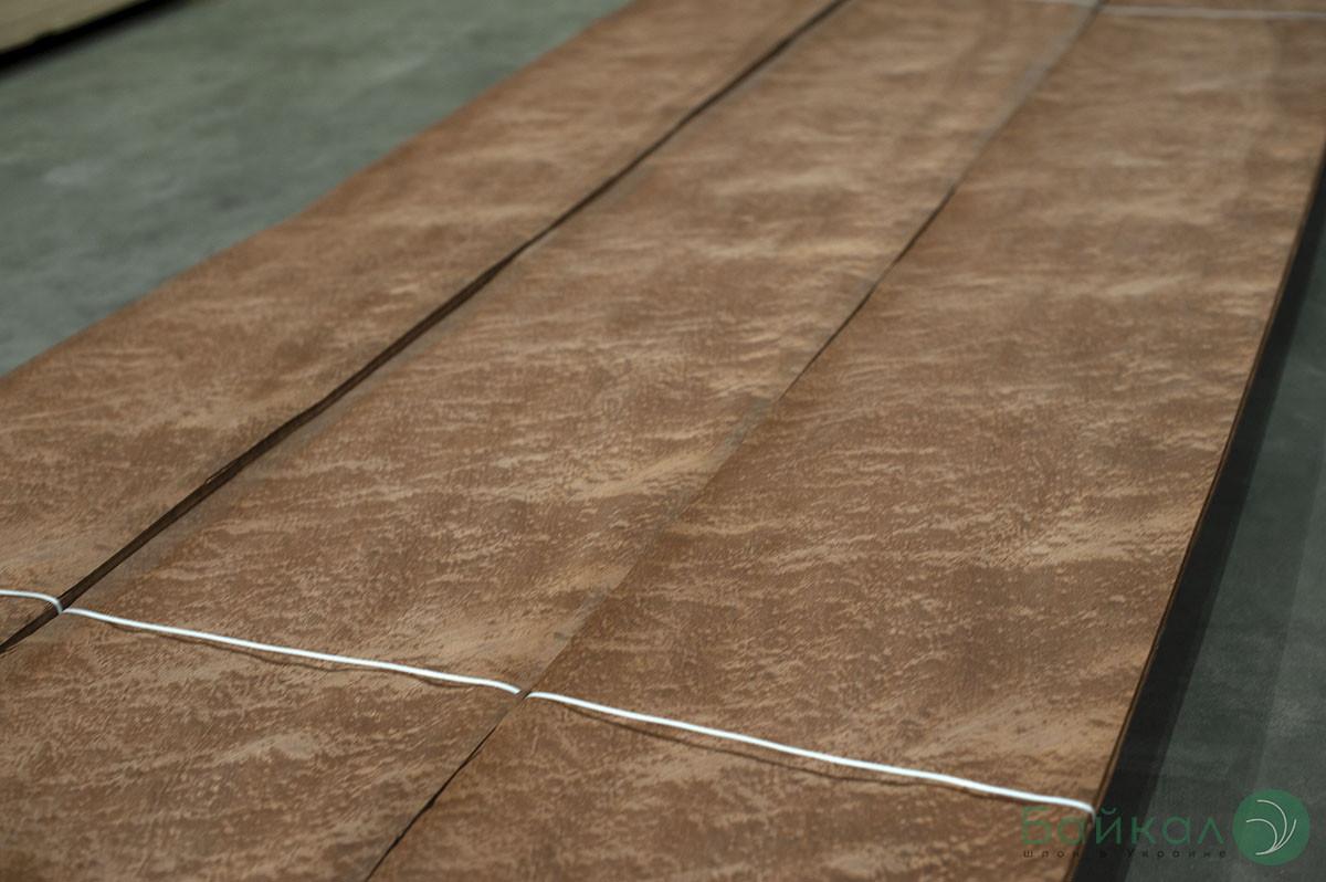 Шпон Сапеле Помеле (натуральный) Logs - 0,6 мм  2,60 м+/10 см+