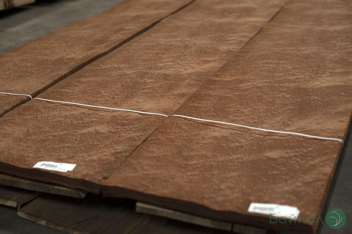Шпон Сапеле Помеле (натуральный) Logs - 0,6 мм  2,10-2,55 м/10 см+