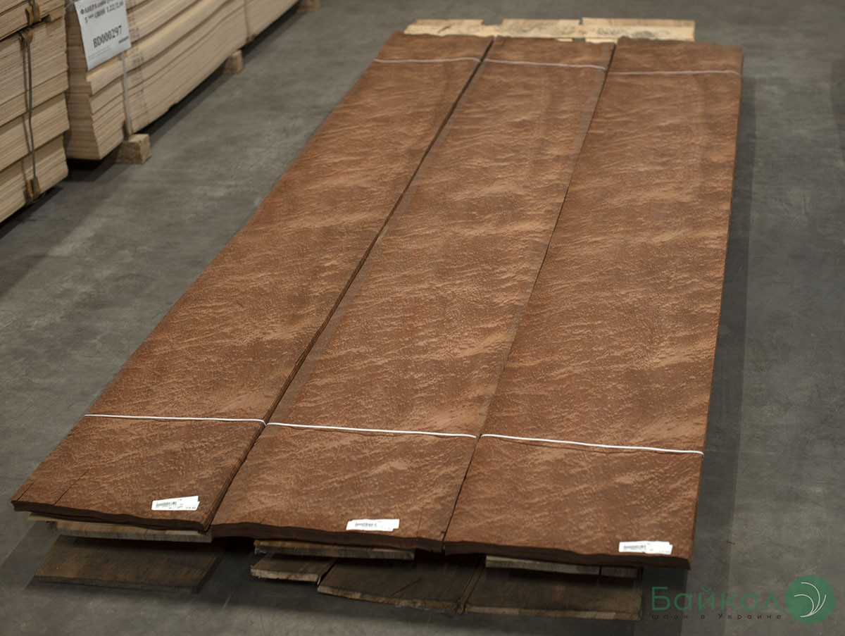 Шпон струганий Сапелє Помелє Logs - 0,55 мм 2,10 м+/10 см+