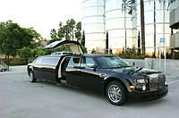 Лимузин на прокат Chrysler 300C Rolls-Royсe Phantom черный