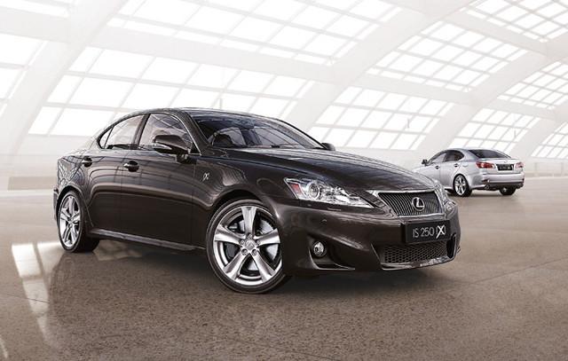 Lexus is250, is350