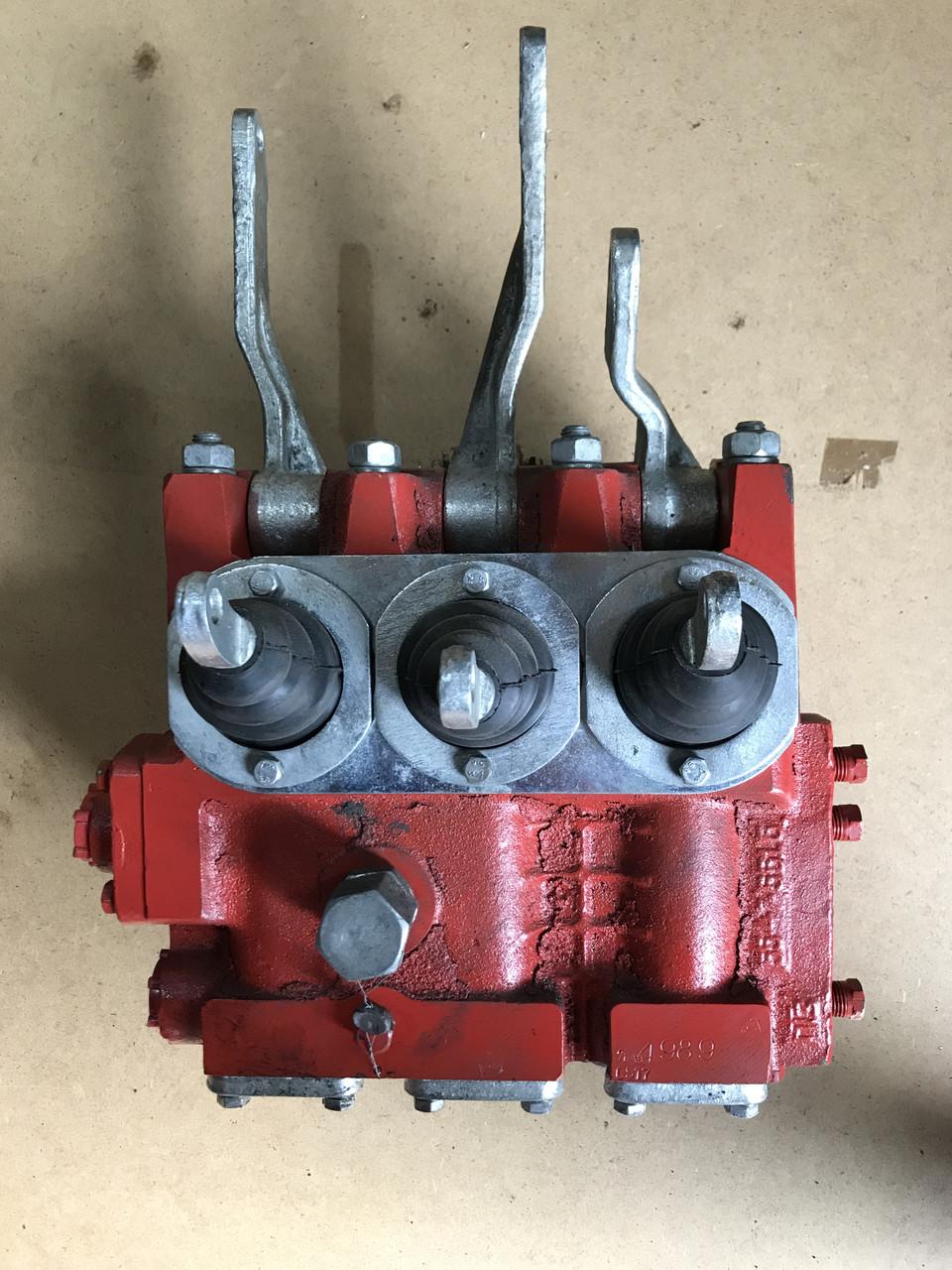 Гідропідсилювач (ГУР) Сервомеханизм трактора ТДТ 55 55-47-сб. 330А