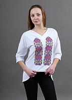 Женская вышиванка оригинального фасона