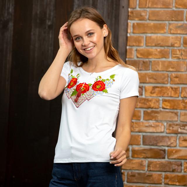 Вишита футболка жіноча купити