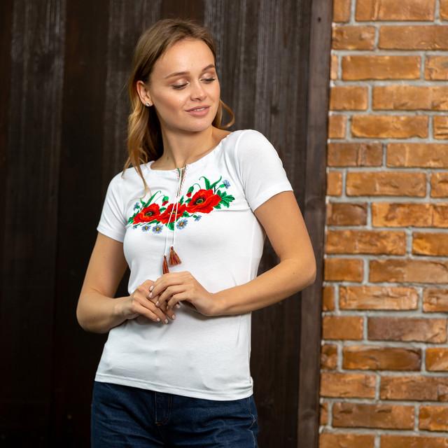 Женская футболка вышиванка Маки белая