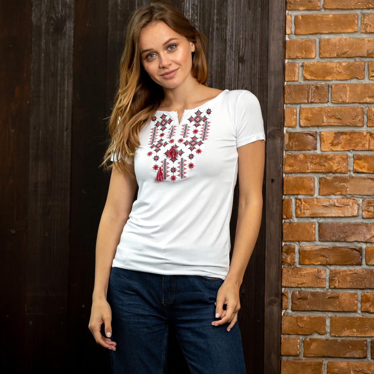 Белая женская футболка вышиванка Орнамент красный
