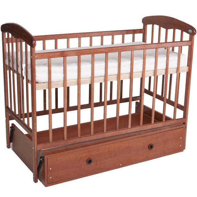 Кроватки из дерева