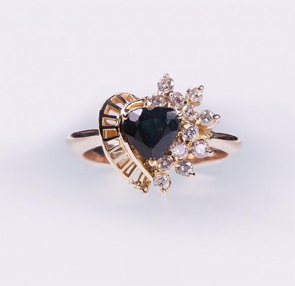 Золотое кольцо с сапфиром и бриллиантами С20Л1№20