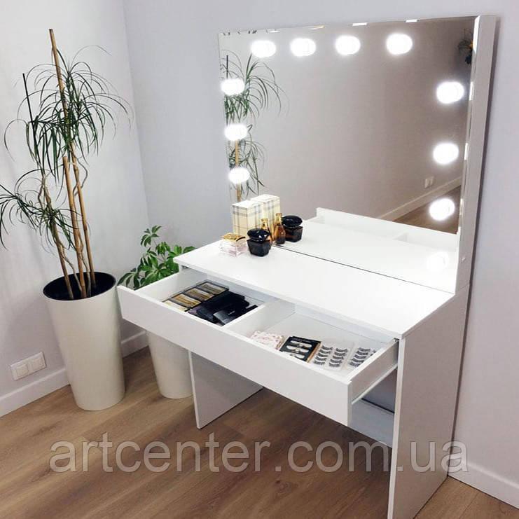 Туалетный столик, зеркало с подсветкой, ящик с разделителем внутри