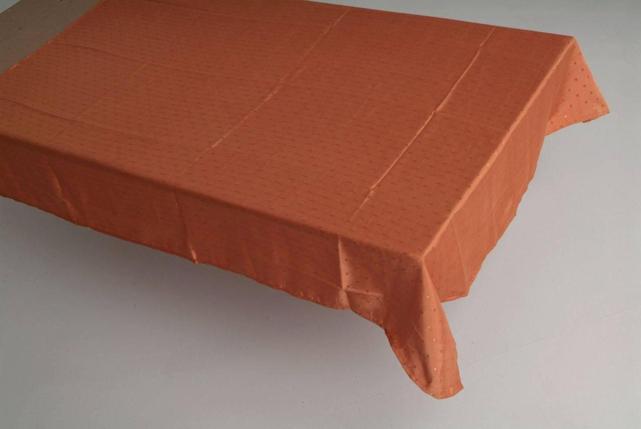 Скатерть однотонная  на квадратный стол160*160