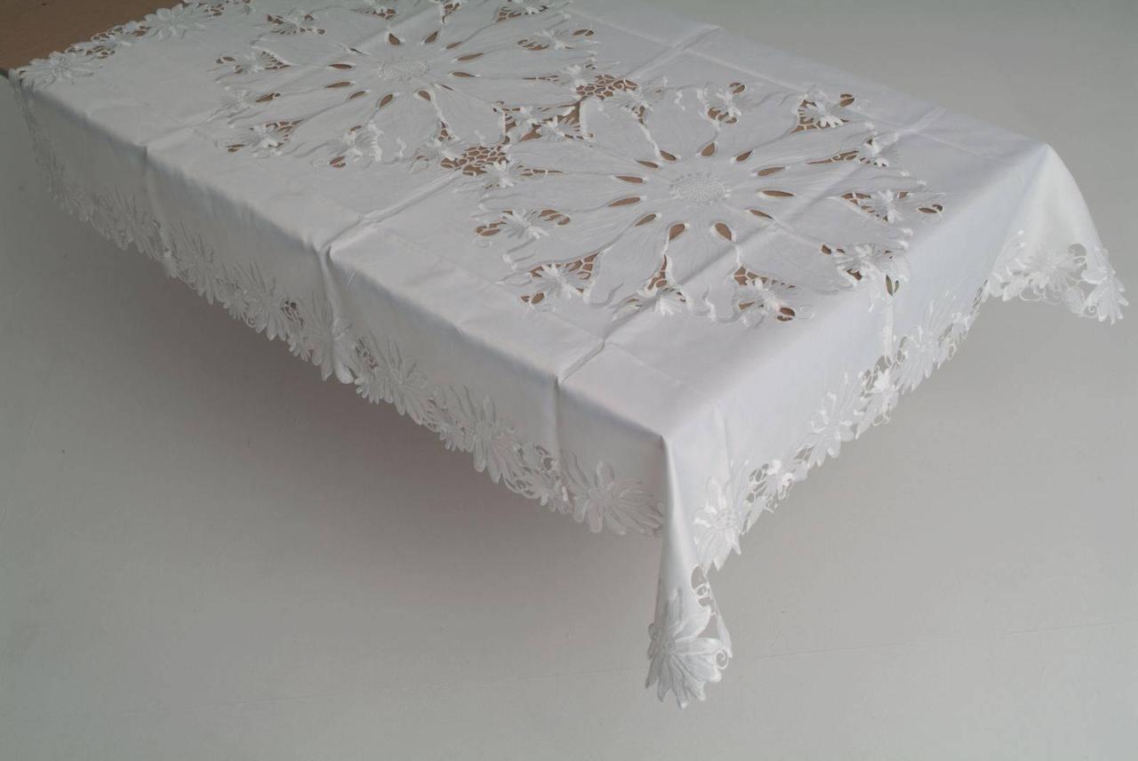 Скатерть на стандартный раздвижной стол 160*220 белые ромашки