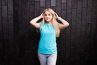 Женская модная футболка  приталенная Голубая