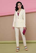 Строгий женский светлый деловой пиджак с карманами классика Патрик цвет ваниль, фото 3
