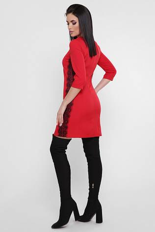 031f6e4d69e Красное короткое вечернее платье с гипюровыми лампасами по бокам