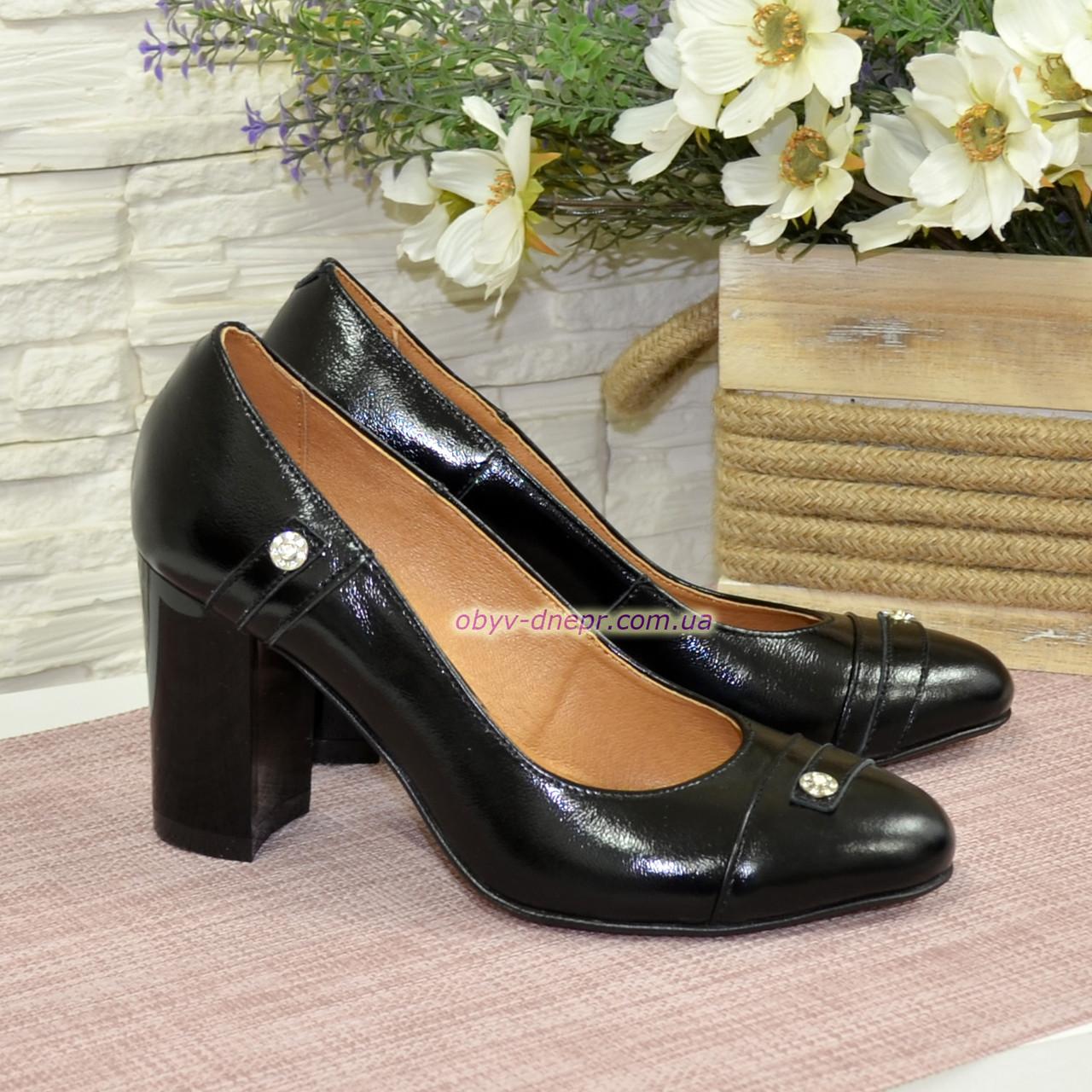 Туфли женские лаковые на высоком устойчивом каблуке