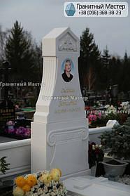 Памятник из белого мрамора женщине в с. Хотов, Киевской обл.  5
