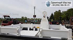 Памятник из белого мрамора женщине в с. Хотов, Киевской обл.  20