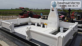 Памятник из белого мрамора женщине в с. Хотов, Киевской обл.  21