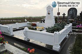 Памятник из белого мрамора женщине в с. Хотов, Киевской обл.  31