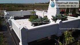 Памятник из белого мрамора женщине в с. Хотов, Киевской обл.  36