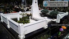 Памятник из белого мрамора женщине в с. Хотов, Киевской обл.  40