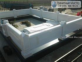 Памятник из белого мрамора женщине в с. Хотов, Киевской обл.  13