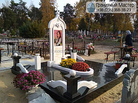 Памятник из гранита и мрамора молодой девушке. Сумская обл. г. Ахтырка 2