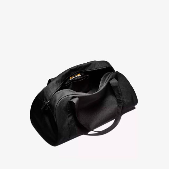 Женская сумка для тренировок Nike Gym Club | фото устройства главного отделения