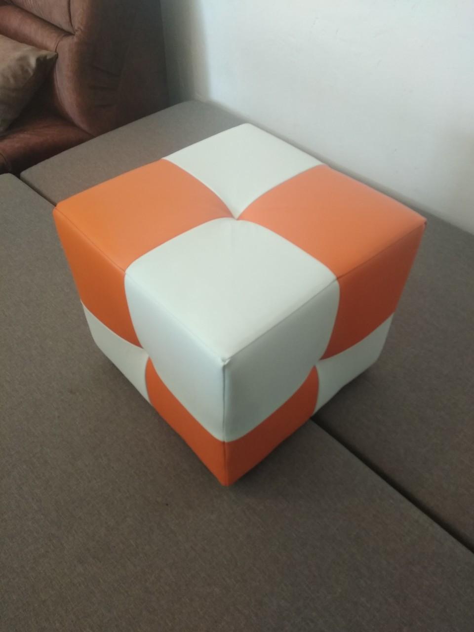 Пуф Рио белый с оранжевым,пуфик,пуфики,пуф кожзам,пуф экокожа,банкетка,банкетки,пуф куб,пуф фото